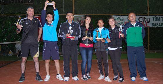 Alaaddin Sezal Tenis Turnuvası Sone Erdi