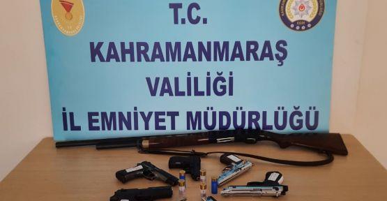 ARANIYORLARDI POLİSTEN KAÇAMADILAR