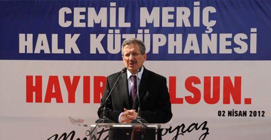 """Başkan Poyraz: """"Kütüphaneler Elzemin Elzemidir"""""""