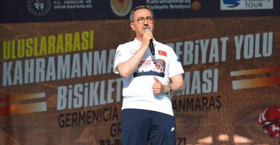 BAŞKAN GÜNGÖR'DEN BİSİKLET SPORUNA TEŞVİK