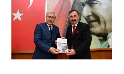 EMEKLİ ALBAY GÜLER'DEN KONFERAN