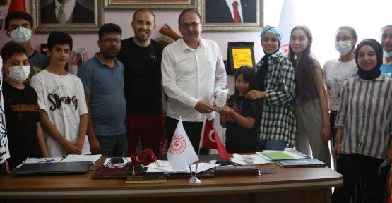 KADIN BASKETBOLU DAYANIŞMA DERNEĞİ'NDEN  ŞAHİN HOPUR'A TEŞEKKÜR