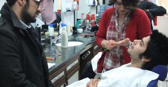 Kahramanmaraş'ta Bayanlar Ellerine Ustura Aldı