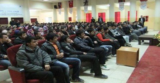 """""""Kampüste Sektörel Bakış 2"""" Kahramanmaraş Sütçü İmam Üniversitesinde"""