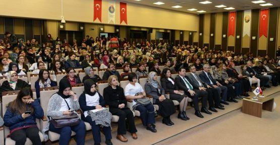 KSÜ'DE MEME KANSERİ KONFERANSI DÜZENLENDİ