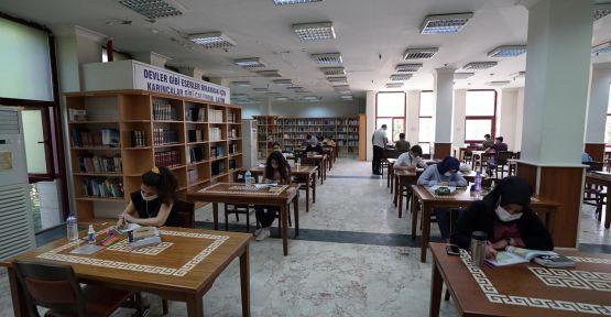 KÜTÜPHANELERDE 'YENİ NORMAL' SÜRECE GEÇİŞ