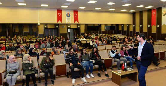 """'MADDE BAĞIMLILIĞI"""" KONFERANSI GERÇEKLEŞTİ"""