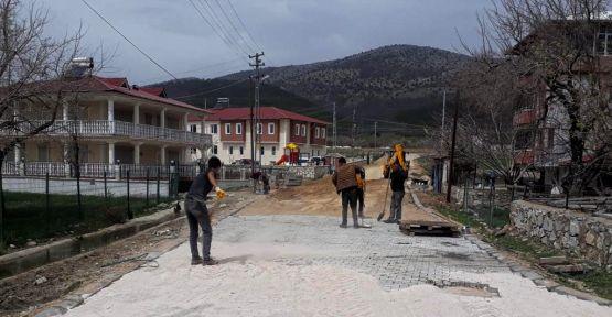 MAHALLE YOLLARINA KİLİT PARKE