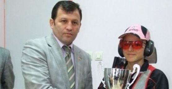 Maraş'lı Safiye 12 Yıllık Rekoru Kırdı