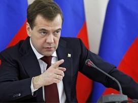 Medvedev ilk kez Esad'ı hedefe aldı