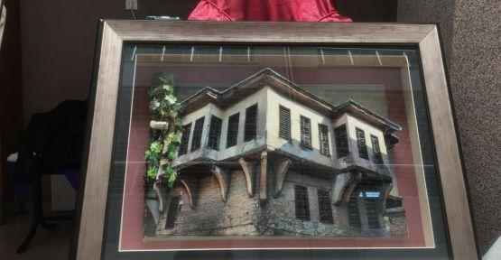 "PİAZZA'DAN ""KAHRAMANLIK"" ANISINA SERGİ AÇILDI"