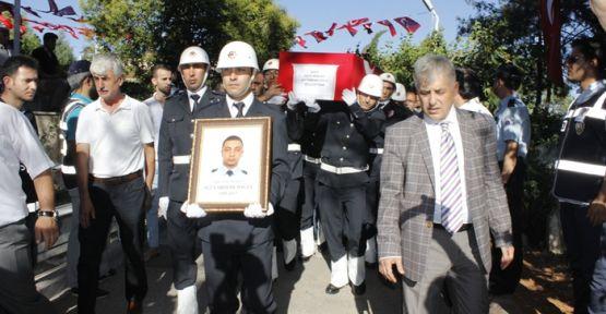 ŞEHİT POLİS YARDIMCIOĞLU TOPRAĞA VERİLDİ