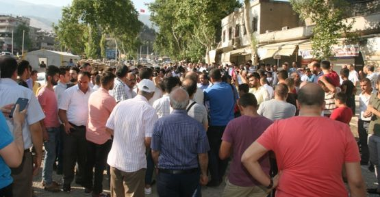 ULU CAMİ ESNAFI PROTESTOYA BAŞLADI