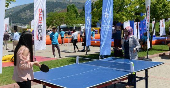 ÜNİ CUP FEST SÜTÇÜ İMAM'DA